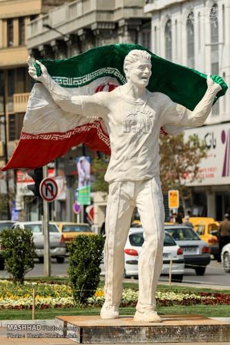 تصاویر دیدنی از المان های نوروزی شهر مشهد ۱۳۹۵